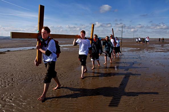 Pilgrims cross to Lindisfarne