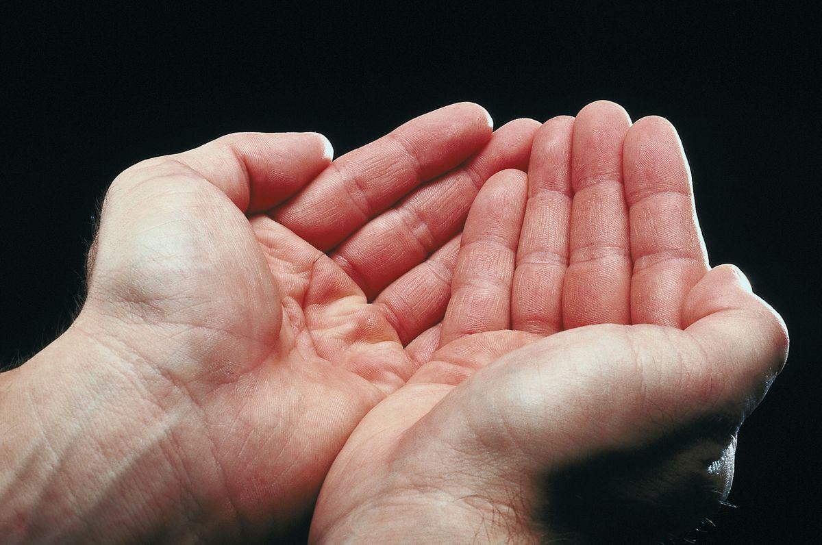 open hands2